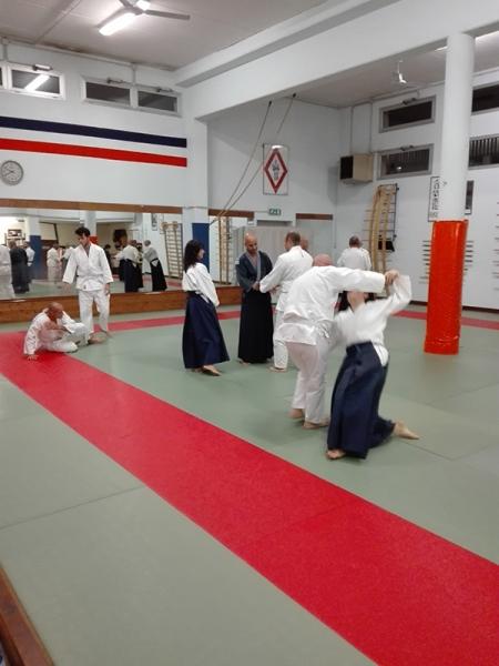 10 - Principianti e cinture alte praticano insieme