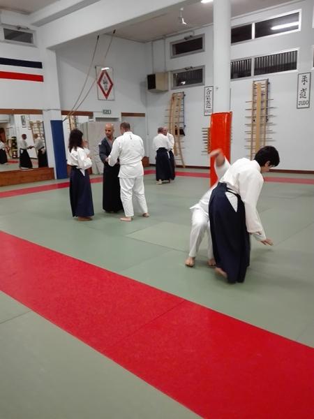 11 - Principianti e cinture alte praticano insieme