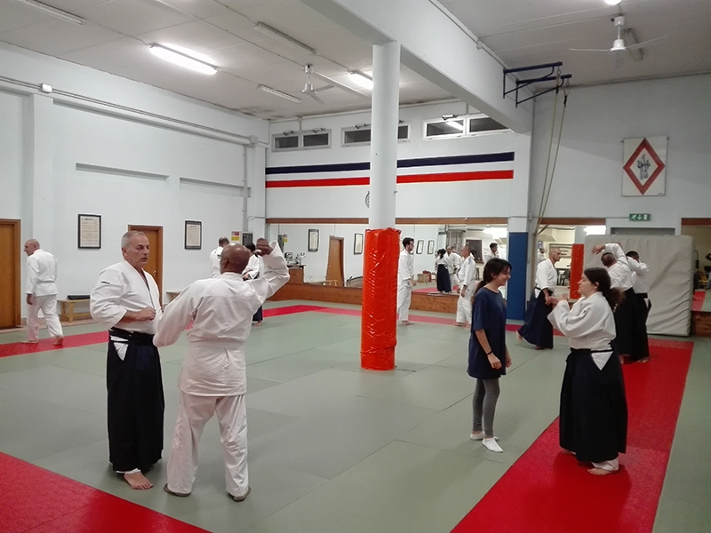 07 - Principianti e cinture alte praticano insieme