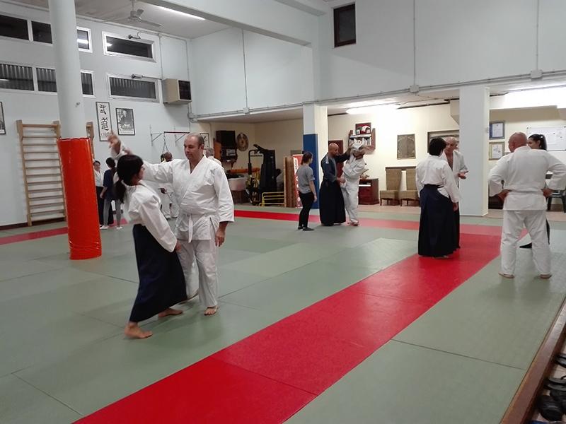 09 - Principianti e cinture alte praticano insieme